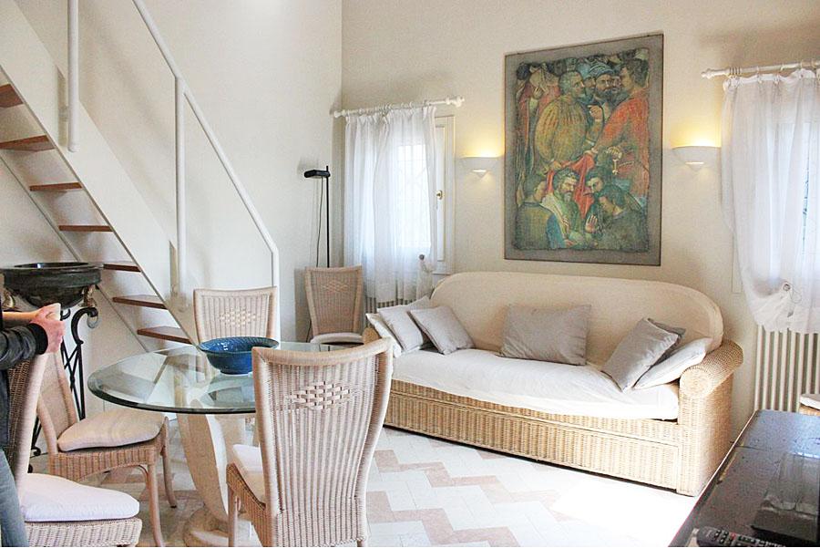 Internal M1 – Mini apartment with mezzanine